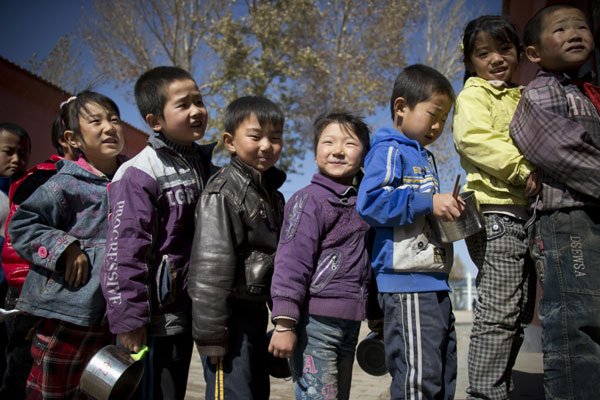 Ningxia residents begin the long climb out of poverty