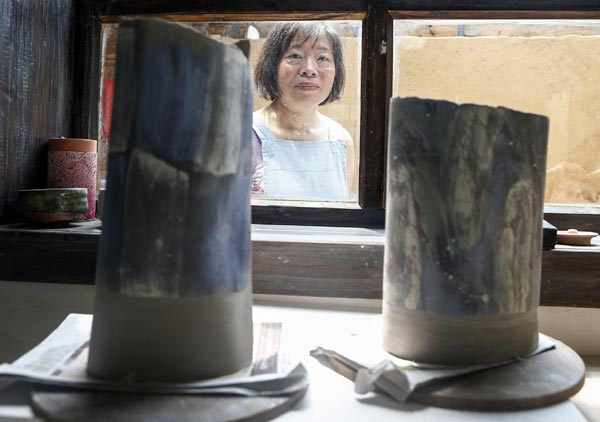 Foreigners flock to China's 'porcelain capital'