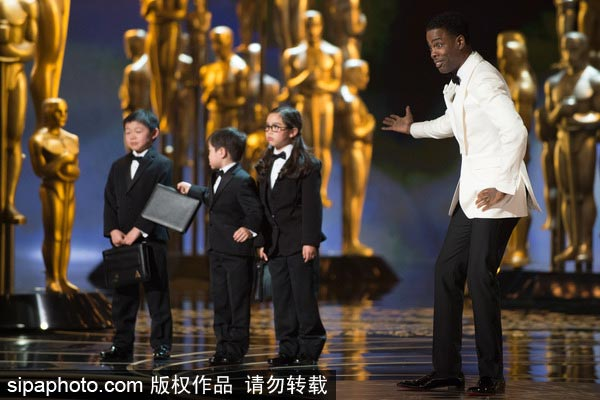 Asian academy members protest Oscar's Asian jokes