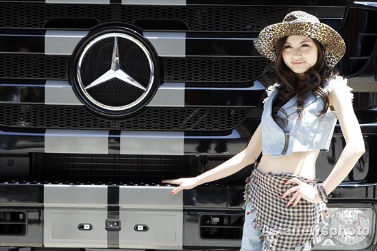 Mercedes Benz Girl