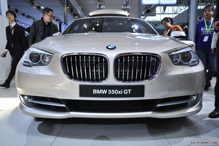 BMW to recall 5308 cars in China. A BMW 550xi GT