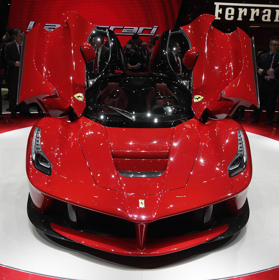 Ferrari Car Show: New LaFerrari Hybrid Debuts At Geneva Auto Show[9