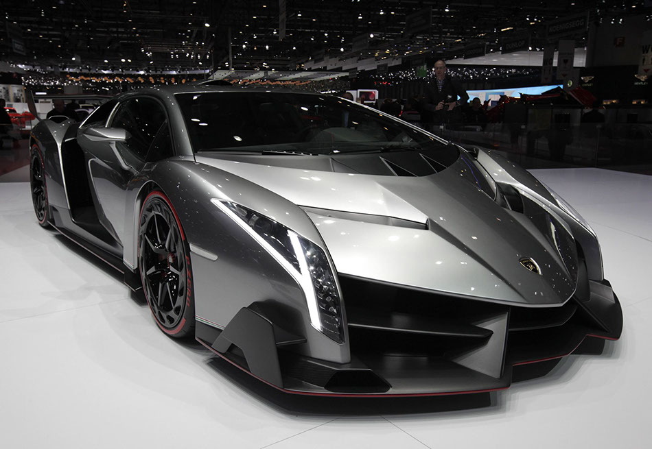 lamborghini veneno debuts at geneva 1 of 3