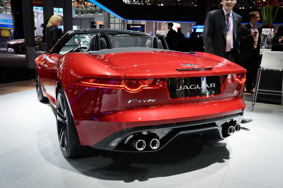 Photos: Luxury Cars At New York Auto Show[10]
