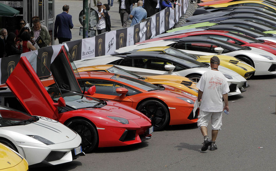 lamborghinis line up tour italy for 50th anniversary