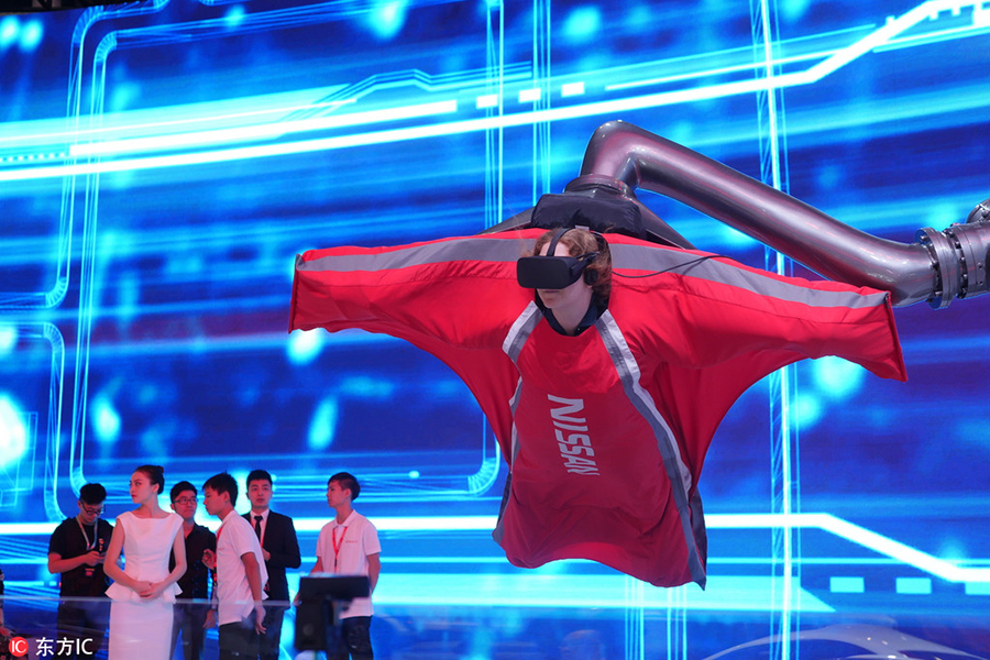 New energy cars and VR attract visitors at Auto Guangzhou[2]- Chinadaily.com.cn