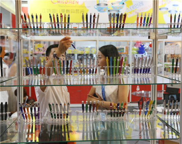 Mixing writing pleasure with luxury offers growth for stationery firms - Business