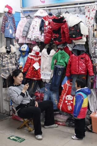b6569e911 Baby boom boosts kids  clothes - Business - Chinadaily.com.cn