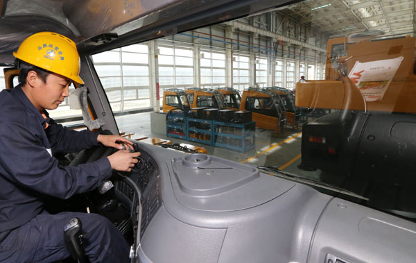 Building equipment sector shifts overseas to get in gear