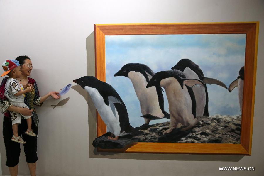 D Painting Exhibition : Visitors have fun in xi an s d painting expo