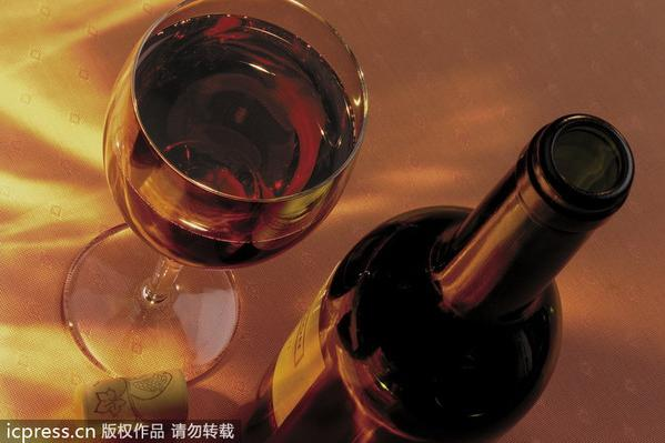 Chinese become world's top tipplers of red wine