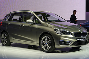 Mercedes-Benz emerges as star of Auto China