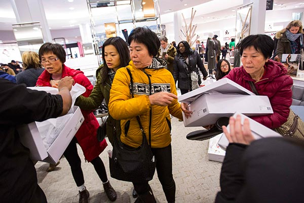 Macy's says <EM>huanying</EM> to Chinese tourists