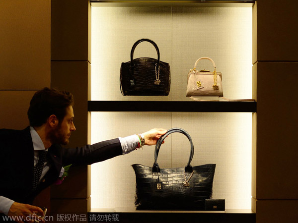 Chinese consumers buy more luxuries overseas