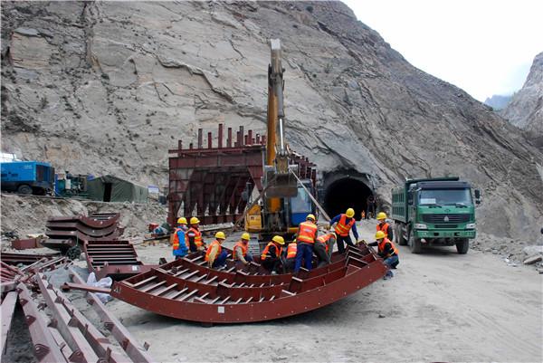 Karakoram Highway: Path to riches for China, Pakistan[1