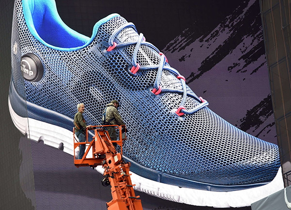 Reebok plans 500 stores in China 47532eeb8