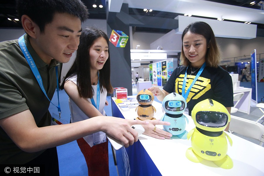 Expo Stands Economic : Robots vr take spotlight at electronics expo in beijing