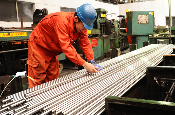 China's steel prices pick up, but big rises unlikely: industry group