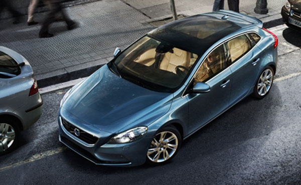 Volvo to launch new V40 at Shanghai auto show