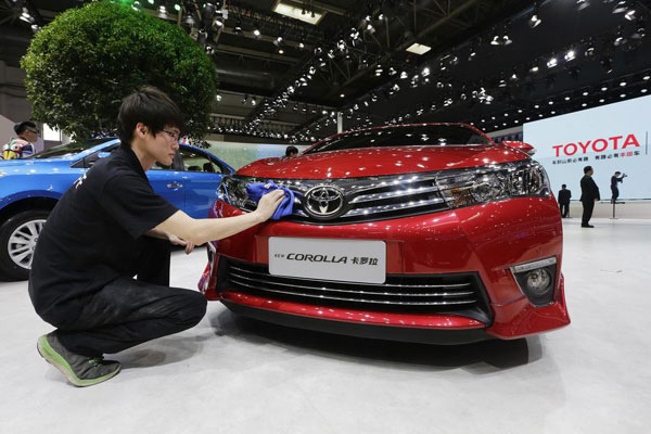 Toyota To Launch China Made Corolla Levin Hybrids In 2017