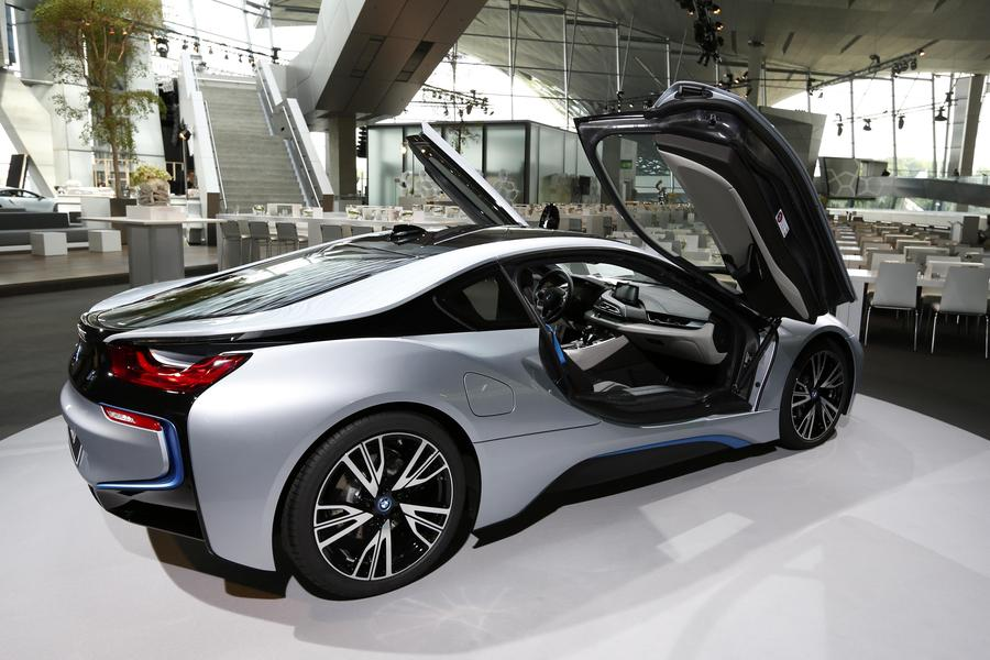New BMW i8 plugin hybrid sports car delivered5 Chinadailycomcn