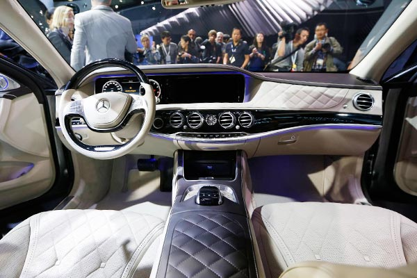 Chinese Luxury Car Owners Young With Distinctive Images