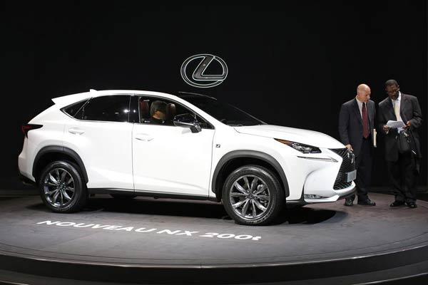 Toyota Delays Move To Build Lexus In China