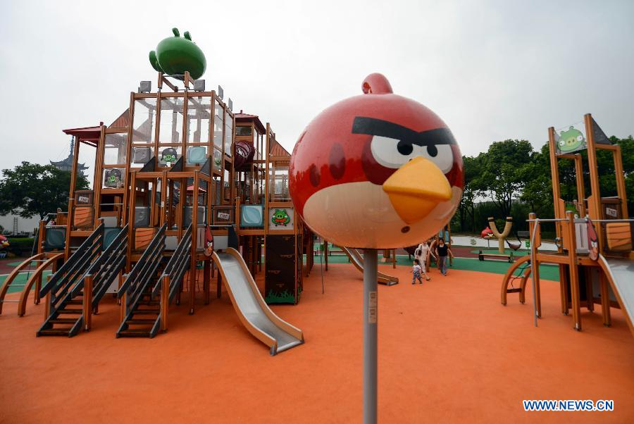 angry birds theme park opens in e china 5. Black Bedroom Furniture Sets. Home Design Ideas
