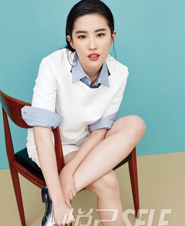 liu yifei graces cover of self magazine 2   chinadaily   cn
