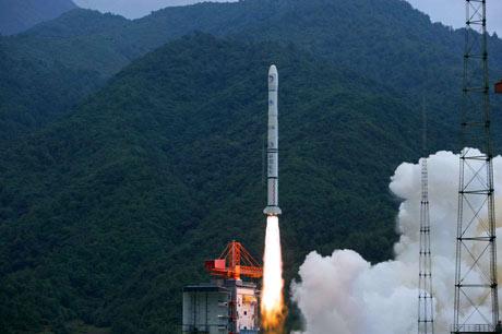 Lunar orbiter blasts off in Xichang