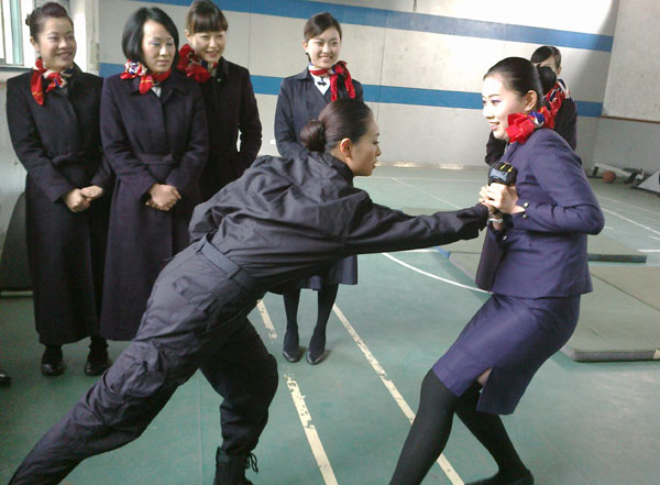 Air Crews Learn How To Pack A Punch Society Chinadaily Com Cn
