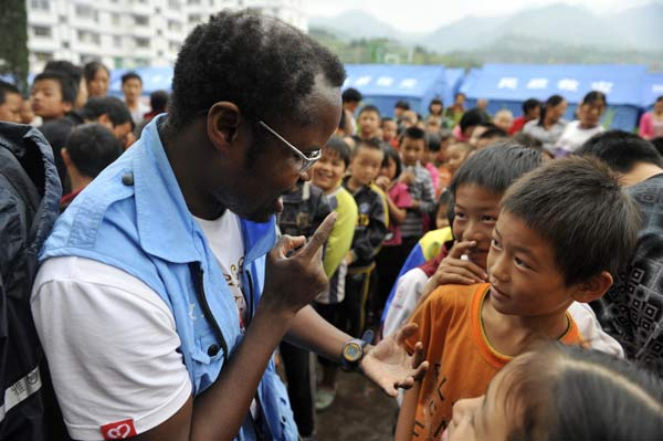 Link to Doctor inspires others at quake site