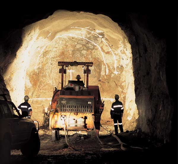 CMOC buys stake in Rio Tinto gold, copper mine |Economy |chinadaily