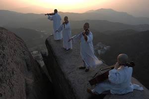 Zen studies bring inner peace to hectic working