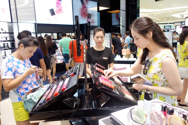 World's largest duty-free shop opens in China's Sanya[1]- Chinadaily