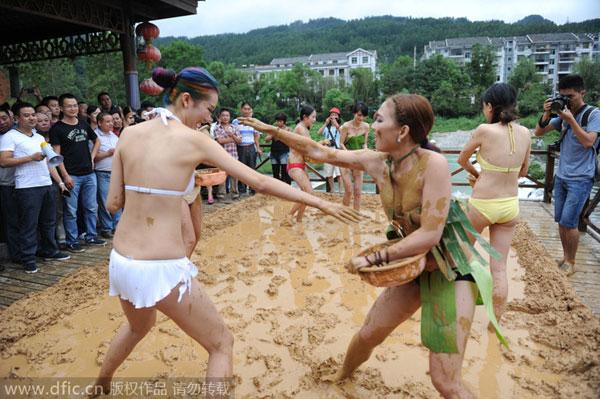 Women Wrestling In Bikinis