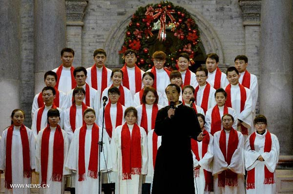 Catholics in Xi'an celebrate Christmas Eve in church[1 ...