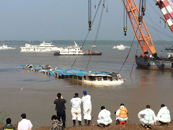 More Countries Send Condolences Over Chinas Cruise Ship Accident - Recent cruise ship deaths