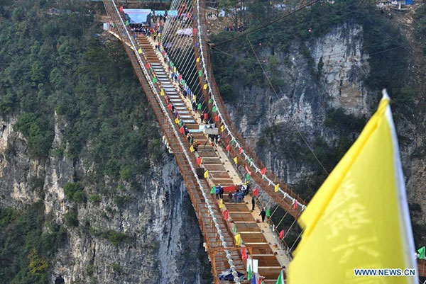 worlds longest glass bridge built in zhangjiajie - Zhangjiajie Glass Bridge