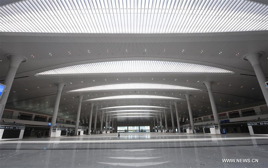 线上百家乐:新建乌鲁木齐高铁车站投入服务