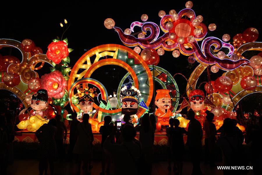 People enjoy lantern shows to celebrate traditional Chinese