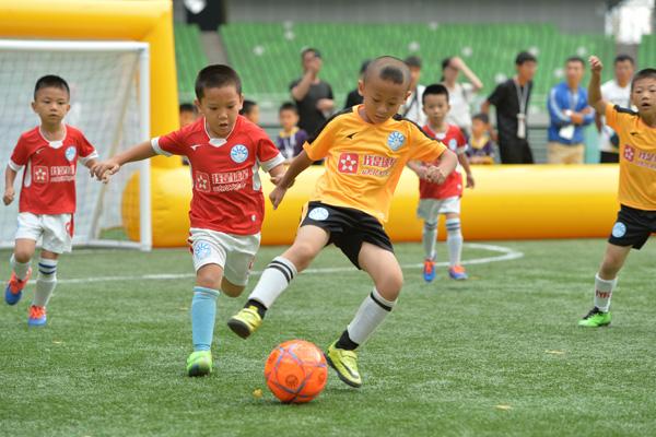 preschool soccer programs preschool program teaches how to play soccer with a 962