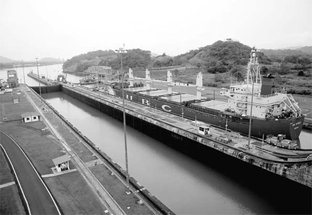 the panama canal The panama canal is really an engineering marvel par excellence learn why the panama canal was made and how the lock systems work the creation of the panama canal was a huge benefit to merchants and travelers.