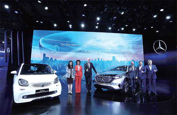 Mercedes Benz Year Of Innovation Setting The Pace For