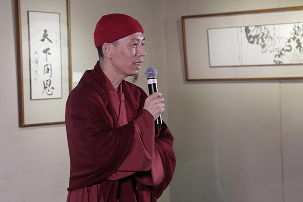 Monk artist brings spirit, flowers to Macao - Culture