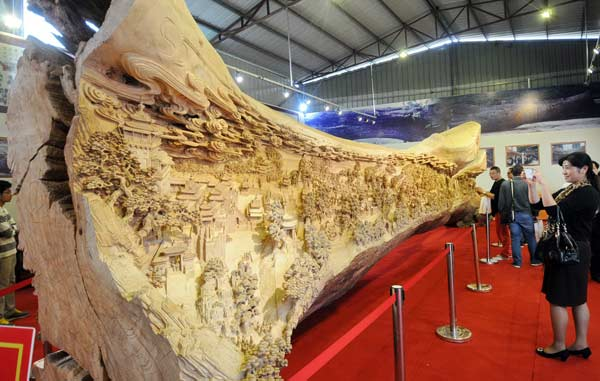 Longest wood carving breaks Guinness record - Culture - Chinadaily ...
