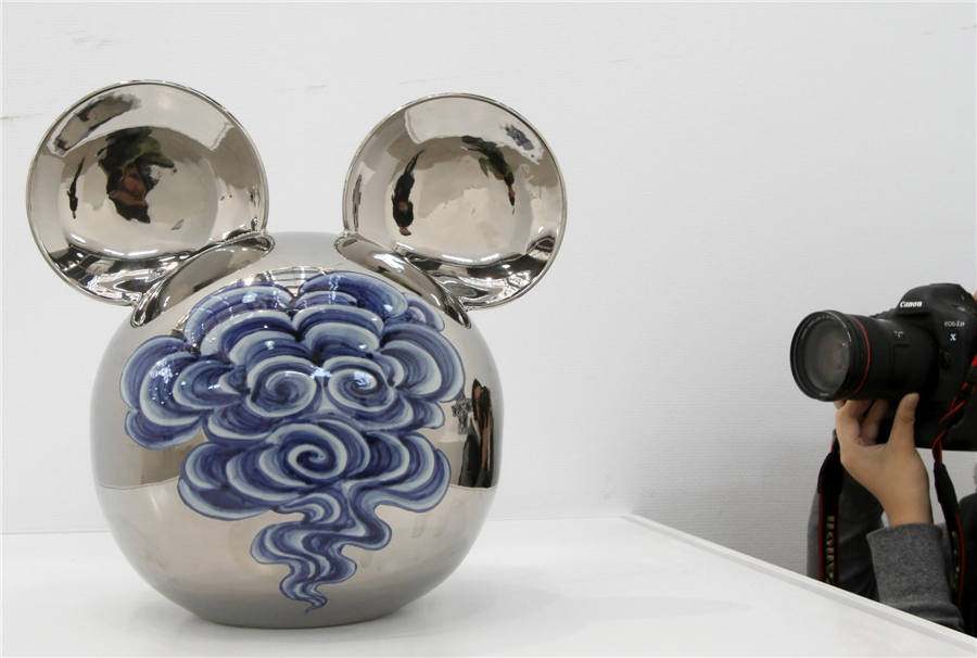 Ceramic art showcased in Jiangsu