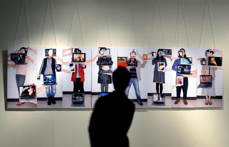 Art exhibition supports young artists[1]- Chinadaily.com.cn