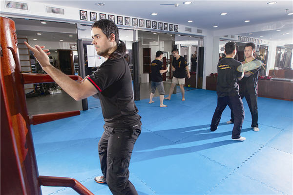 Winning moves in martial art wing chun