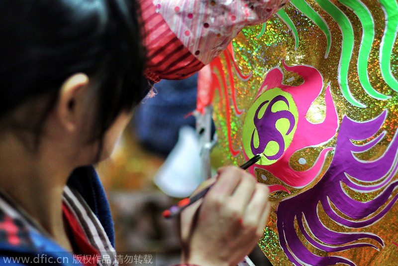 Old craft of making dancing lion mask preserved[3